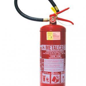 Reparos de vazamento em rede de combate a incêndio
